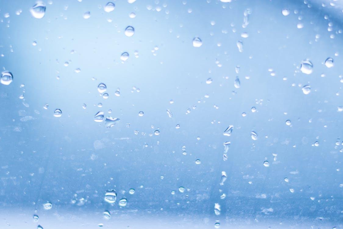 この季節の急な鼻水は、寒暖差アレルギーかも?